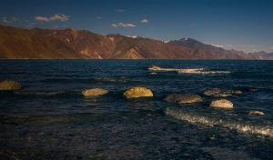 No, Chinese tourists did not visit Indian side of Pangong Tso Lake in Ladakh